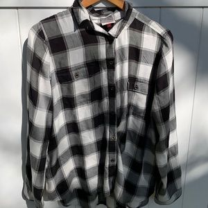 So black&white plaid button down collard shirt